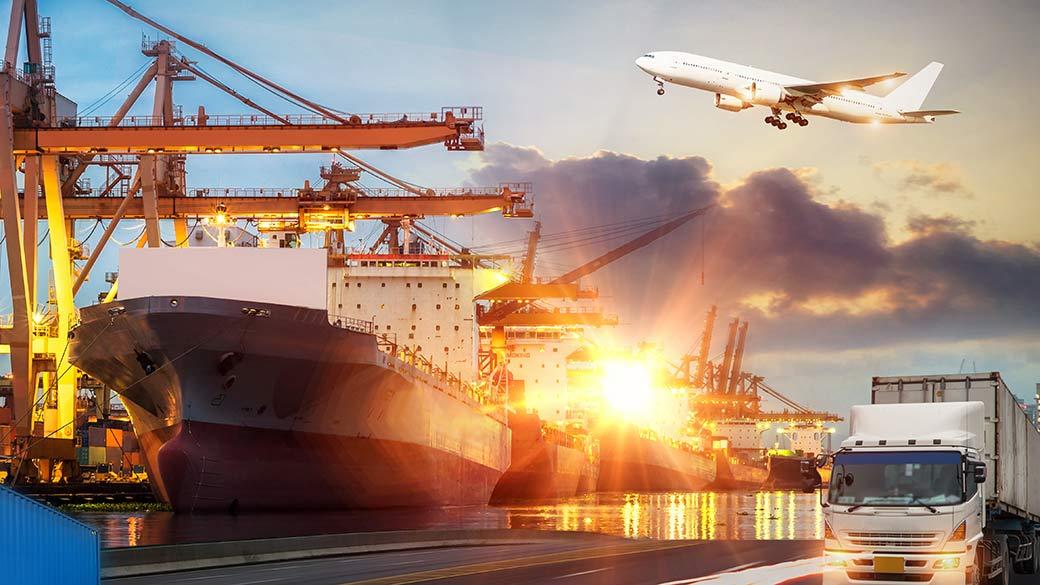 Konzeptbild Logistik: Flugzeug, Frachthafen, LKW
